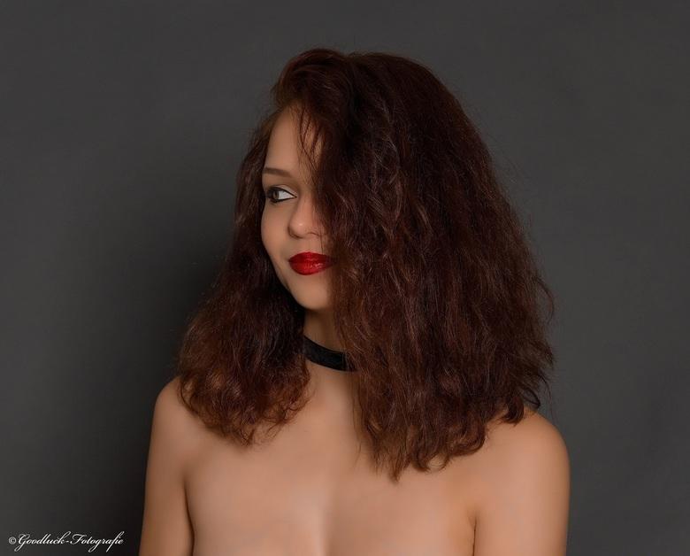Beauty shot - Uit het archief met Model Kimberley.