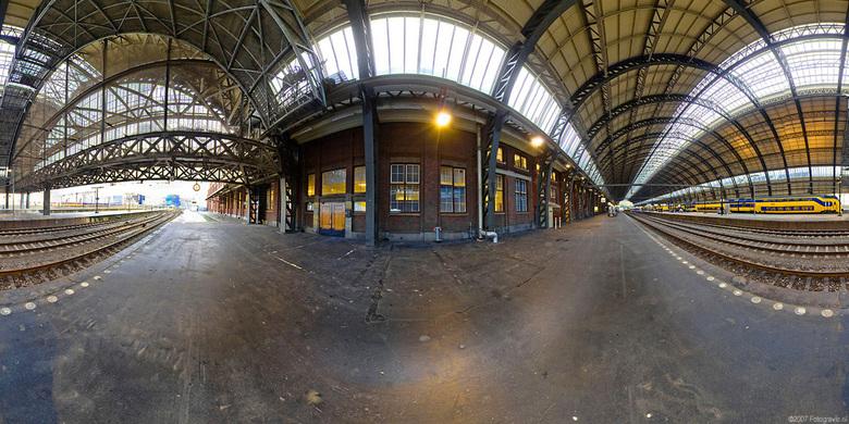 Amsterdam Centraal 360º - Panorama 360º horizontaal, Mercator projectie.