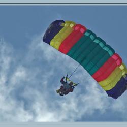 Parachutespringen in Oostwold.