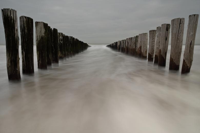 'golfpalen bij vloed'