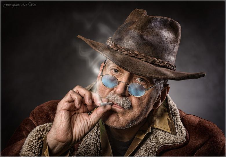Marlboro-Man - Sigaret is enkel gebruikt als attribuut voor de opname, want zelf ben ik een niet-roker!