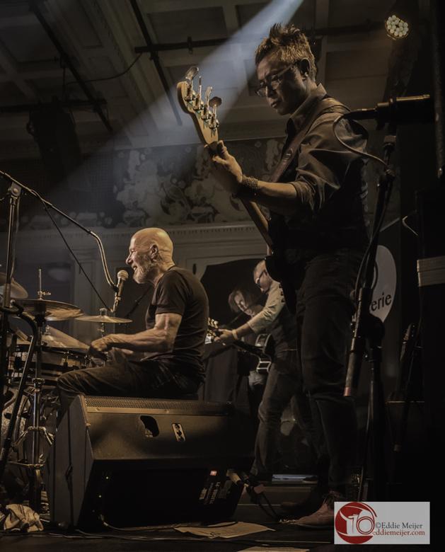 De Materie - Optreden van De Materie in Luxor Live, Arnhem tijdens de presentatie van hun EP.<br /> Wil je de hele serie zien:http://eddiemeijer.com/