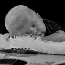 Newborn musicshoot ©Roland Wichser