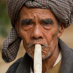 man met sigaar.jpg