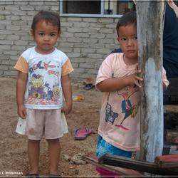 2 kids in Maleisie