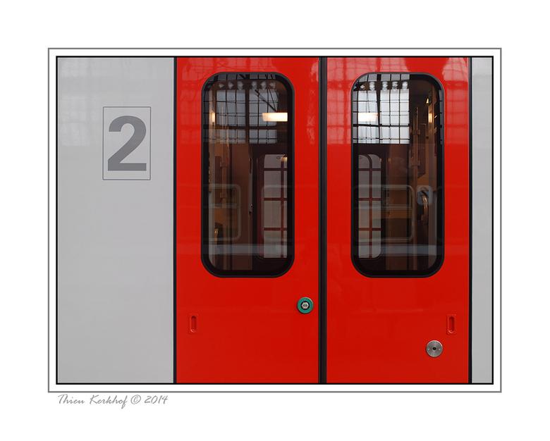 Trein - Een trein van 1 jaar oud zag ik staan op het station in Antwerpen