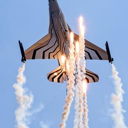 F16 Flares