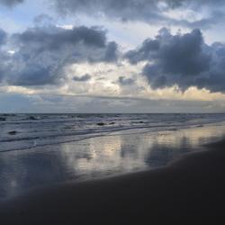 Bij de zee