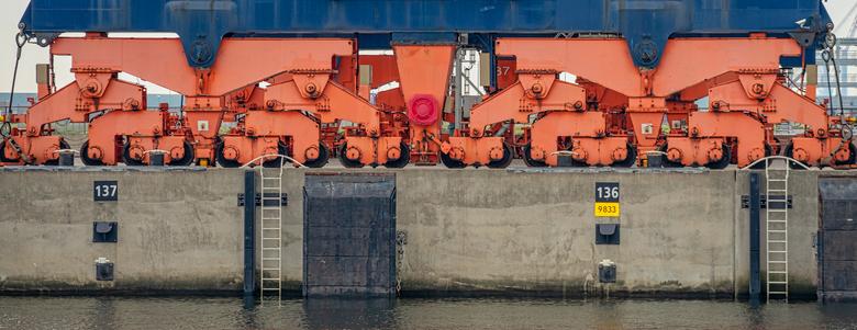 Container kraan detail  .. - Foto genomen tijdens rondvaart maasvlakte 2