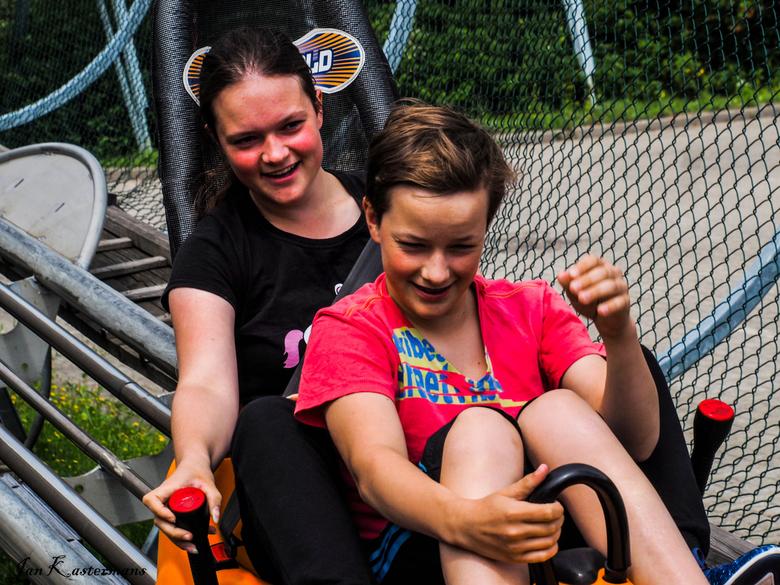 Samen de bocht in - Gezien op de achtbaan in Heerlen