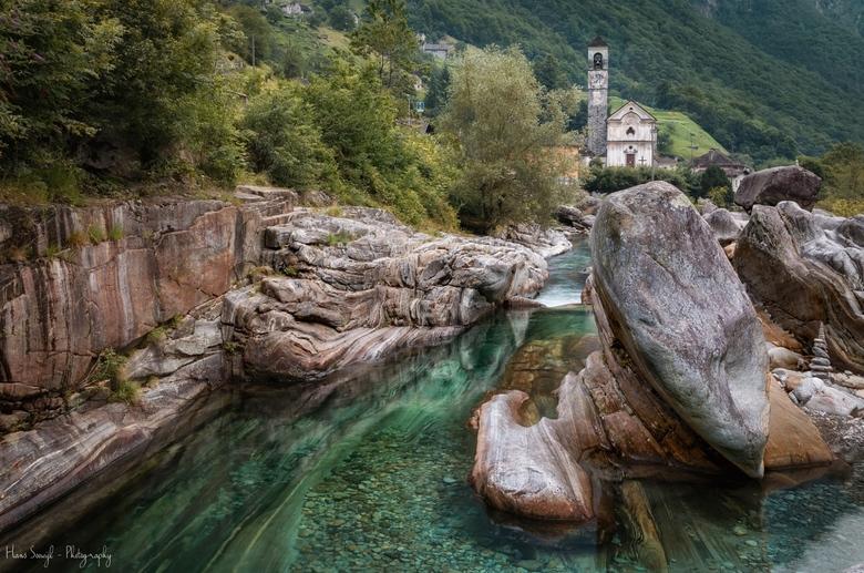Zwitsers mooiste - Tijdens mijn vakantie in Italie ben ik langs deze prachtige plaats gereden.