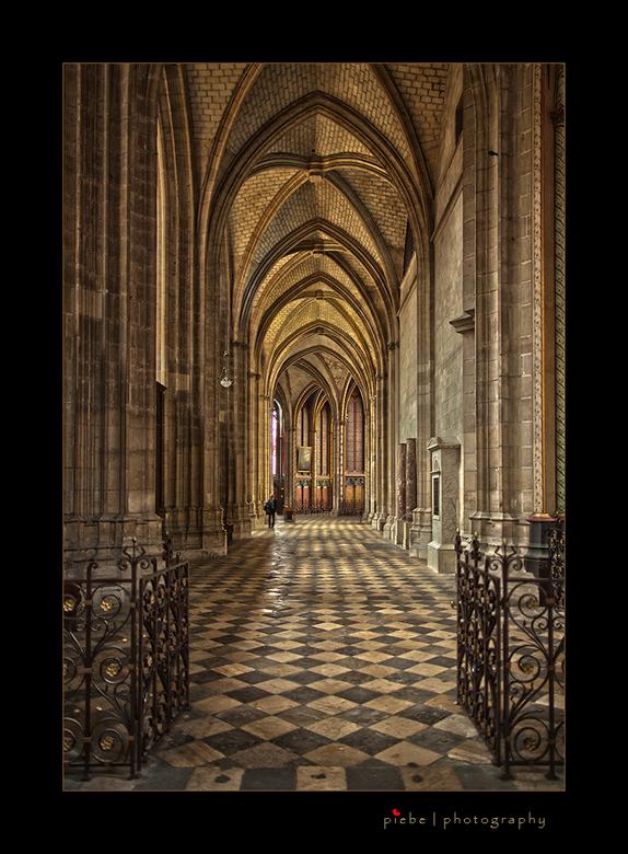 Cathedral d'Orléans - Hierbij weer een vakantie foto uit Frankrijk. Het is de kathedraal van Orléans. Ik heb 3 opnames gemaakt en er een HDR van gemaa