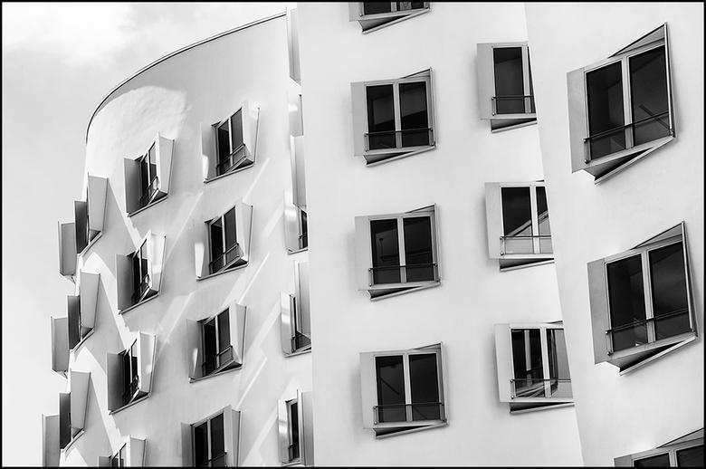 German architecture 01 - Wanneer iemand over architectuur in Duitsland verteld, denk ik niet meteen aan flitsende moderne gebouwen maar meer aan Duits