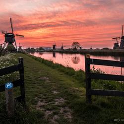 Powerfull sunset Kinderdijk