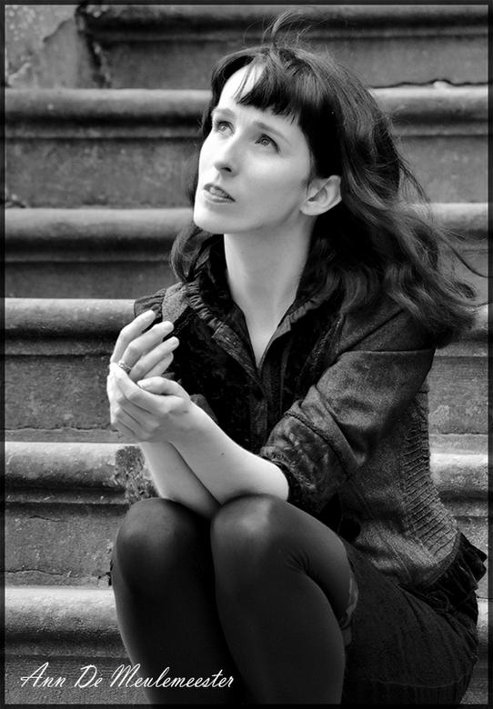 Ann - Nog eentje uit de reeks uit Heverlee .<br /> potret fotografie begint hoe langer hoe leuker te worden .<br /> <br /> Even voorstellen <br />