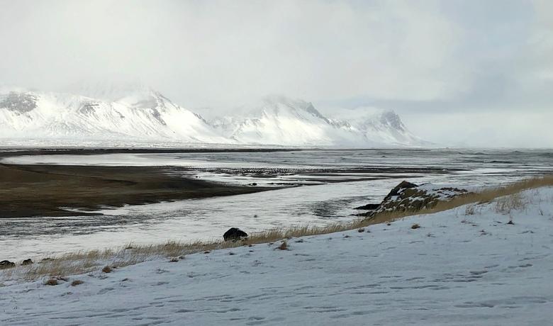 Landschap bij Budakirkja, IJsland - Het landschap vlak bij Budakirkja, op het schiereiland Sneafelsness, IJsland.
