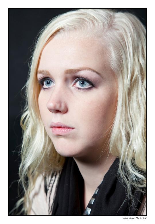 Portret - Vandaag in de studio aan de slag geweest, met dit als resultaat.<br /> <br /> Hartelijke groet,<br /> Anne-Marie