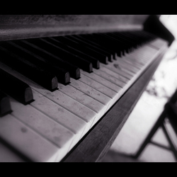 that old piano