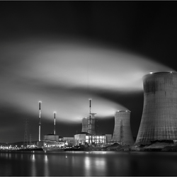 Nucleair Black