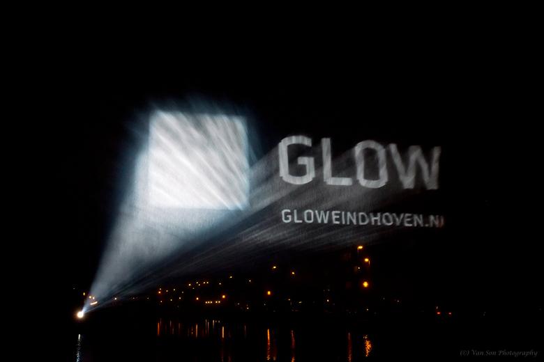 Glow  Einde - Vandaag voorlopig de 2 laatste ups van Glow. Na de dagprijs en de 3e dagprijs van het ED maak ik ook nog kans op de publieksprijs. Maar