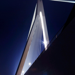 Erasmusbrug close-up