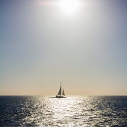 Zeilboot in de zon