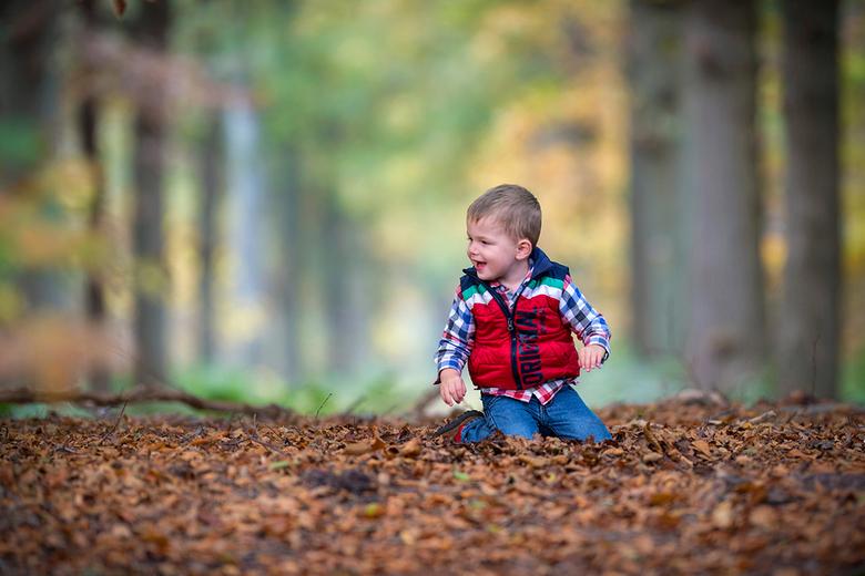Herfst - Lekker spelen met de bladeren