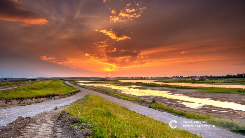 Bypass van de IJssel bij Kampen in aanbouw - In het kader van Ruimte voor de rivier en de bescherming tegen hoogwater, leggen ze bij Kampen een Bypass