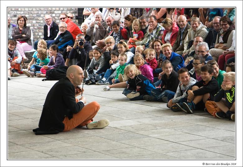 Limburg Festival  - Vandaag op het programma onder meer een optreden van de Engelse muzikale clown Sid Bowfin. Grandioos optreden. Mooie interactie tu