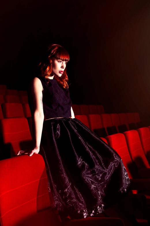 bioscoop  - model: laura theys<br /> visagie: eline tenbult<br /> kleding: esmeralda dijk