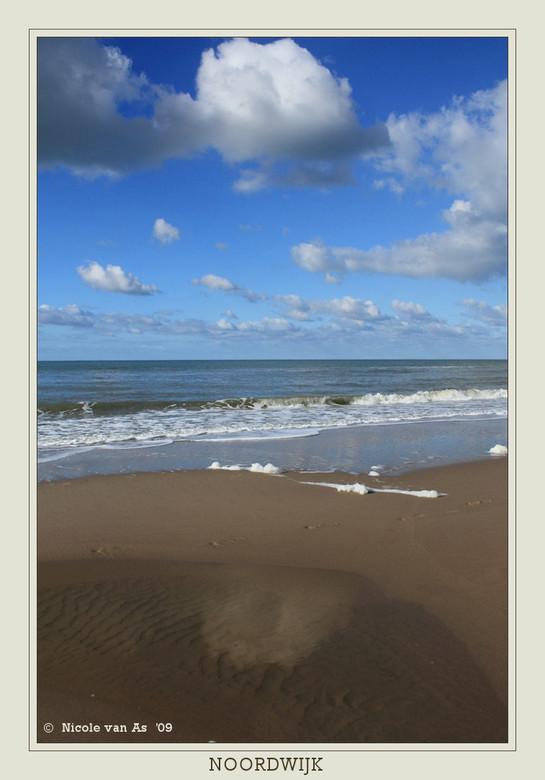 Herfst aan zee. - Vanmiddag was het heerlijk weer op het strand.  Heel even eruit, frisse neus halen.<br /> <br /> De camera moest natuurlijk mee.