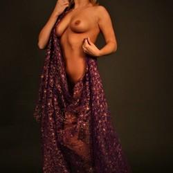 Met paarse doek