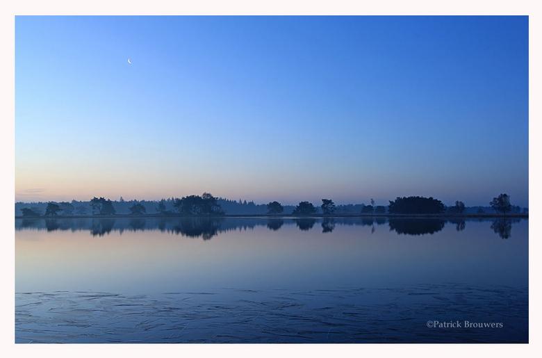 Strabrechtse Heide - Het Blauwe uurtje voor zonsopkomst bij de Strabrechtse heide.<br /> <br /> Bedankt voor jullie reacties op mijn vorige foto&#03