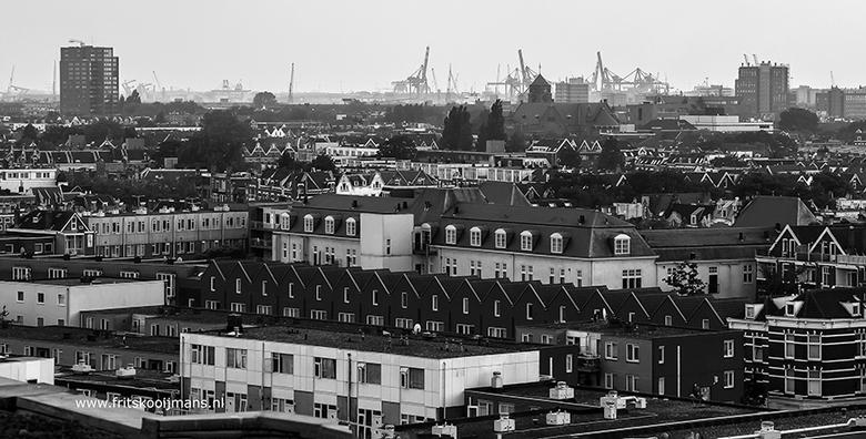 Uitzicht over vanaf Groothandelsgebouw in Rotterdam - 20160604 5646 Uitzicht over vanaf Groothandelsgebouw in Rotterdam