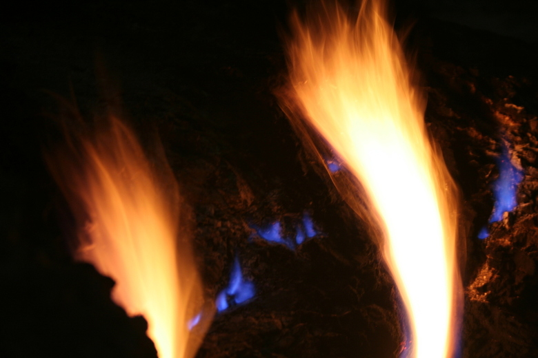 Vuurberg - Yanartas ofwel Chimeira betekent brandende berg. Bij het dorp Olympos in Turkije vind je een berg die gevuld is met gassen. Bij contact met