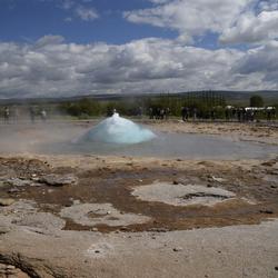 Bijna ....... De uitbarsting van de geiser.