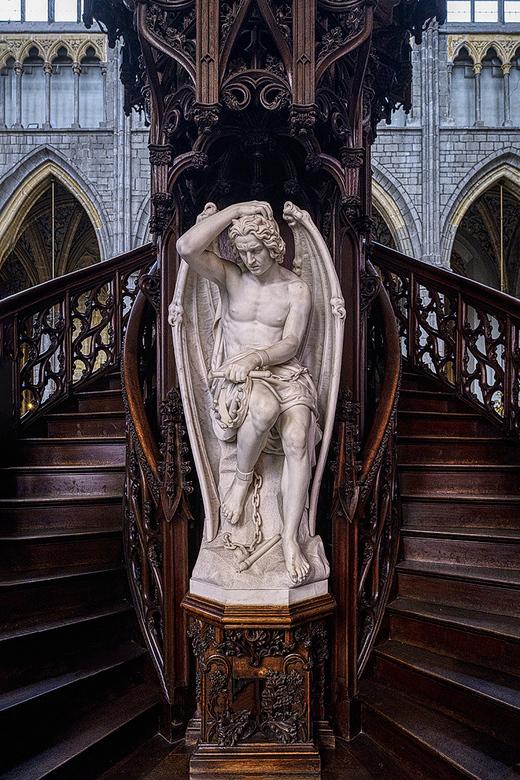 Kathedraal van Luik - Dit prachtig beeld staat in de Saint Paulus kathedraal van Luik, beneden aan de preekstoel.<br /> <br /> Groet Piebe