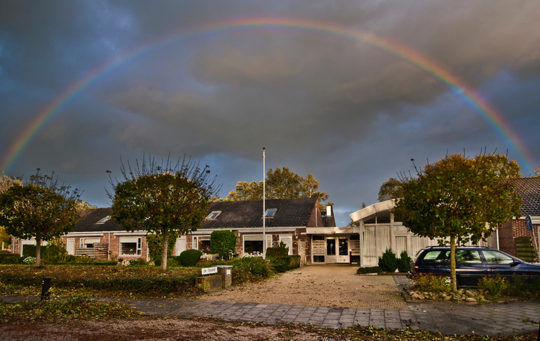 Somewhere over the Rainbow - Regenboog boven de Elzenhof in Niekerk (Gron)
