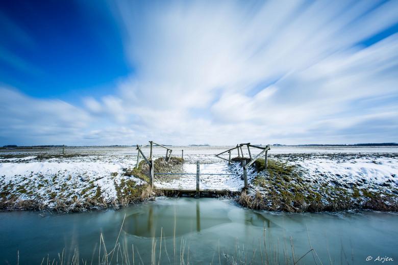 A cold day ... - Deze foto is op een koude dag genomen bij het Lauwersmeer vlak bij Zoutkamp. Hiervoor is een Big Stopper gebruikt met een sluitertijd