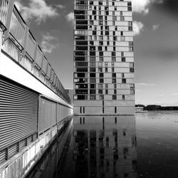 gebouw bij de wave