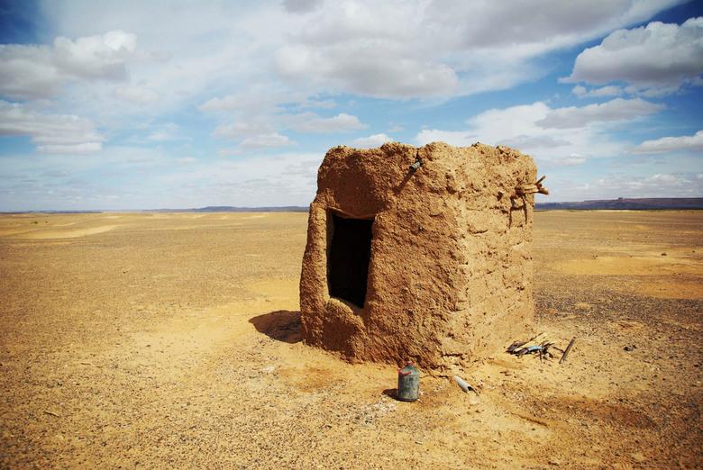 Saharahuisje - Gefotografeerd in de Marokkaanse Sahara.