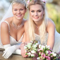 Laura en Anja huwelijk
