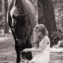 Beautiful bond between this girl and her horse