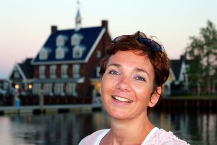 Portret - Deze portretfoto is gemaakt in het Nautisch Kwartier in Huizen.