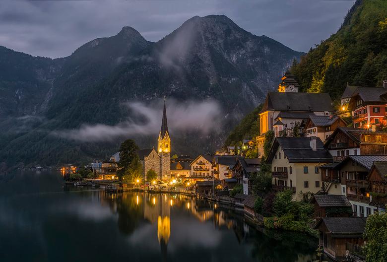 Hallstatt, Oostenrijk - Deze plek stond al een tijdje op mijn bucketlist en ik mag hem nu eindelijk afvinken.<br />