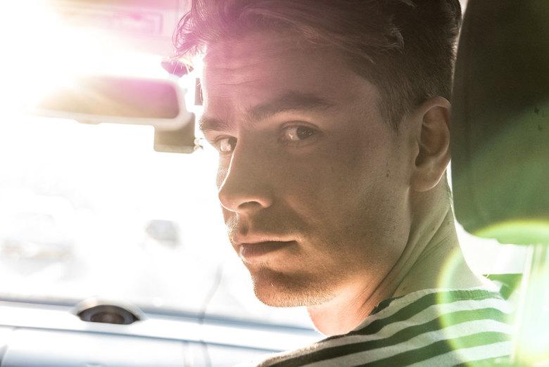 Portret - Zonlicht - Genomen in de auto fel tegenlicht van de zon.