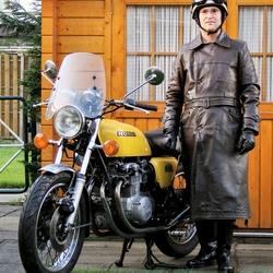 Zelfportret met motorfiets