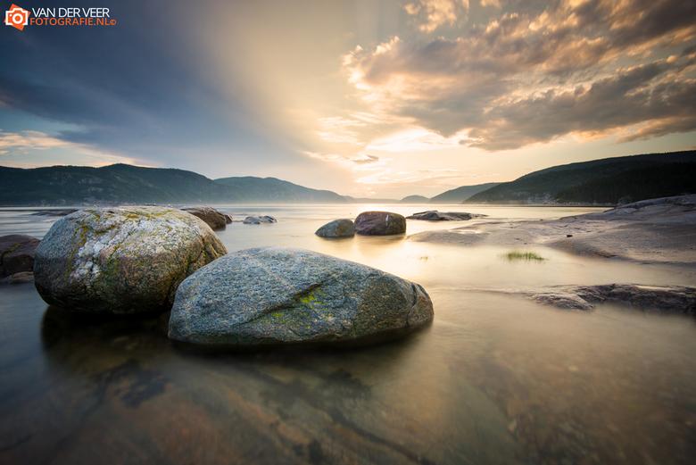 Saguanay Fjord - De Canadese Saguenay Fjord.<br /> <br /> Sluitertijd 6 seconden, ISO100, f11, LEE 0.6 Hard Grad<br /> <br /> Voor de hele &quot;S