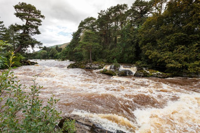 Falls of Dochart - Zoals beloofd bij mijn vorige upload van de brug van Dochart nu een foto van de waterval zelf. De Falls of Dochart is een waterval
