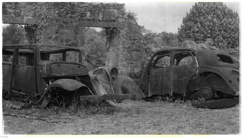 Getuigen van SS terror - Oradour Sur Glane (http://www.oradour.org/en )<br /> <br /> Olympus E-PL3, Sigma 30 mm f/2.8 @ 30mm @ 1/3200 @ f/2.8 @ iso